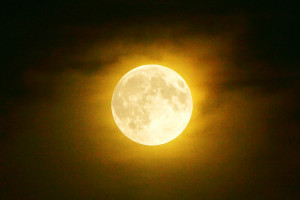 www.astronomia24.com/images/supermoon2_1_news09.jpg